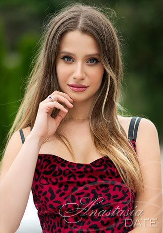 Date the woman of your dreams: young Russian girl Elide from Milan